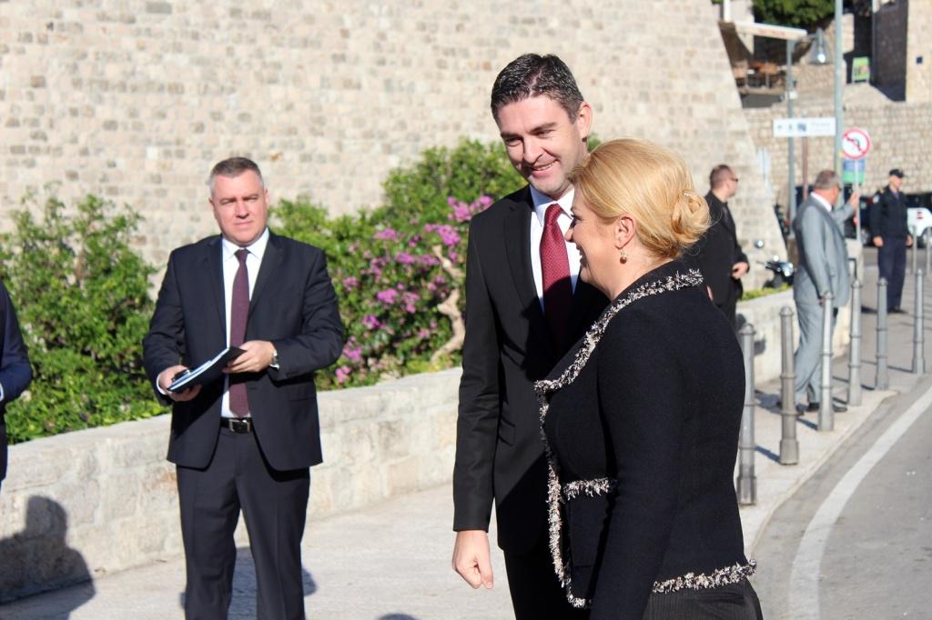 Povodom otvorenja Ureda predsjednice gradonačelnik Franković poručio: Uvjereni smo kako ćete se zauzeti za ovaj slavni grad i njegove građane